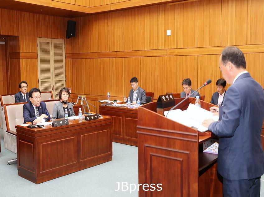 """부안군의회 이태근 의원 """"가을 연이은  태풍피해 농심 어루만져 달라"""".JPG"""