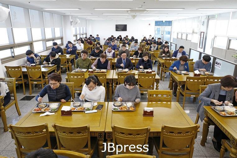 1.심 민 임실군수,'사회적 거리두기  운동 '확산 적극 동참 (2).JPG