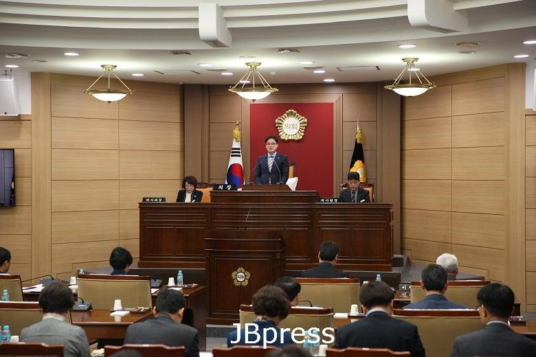4.제298회 임실군의회 임시회 개회.JPG
