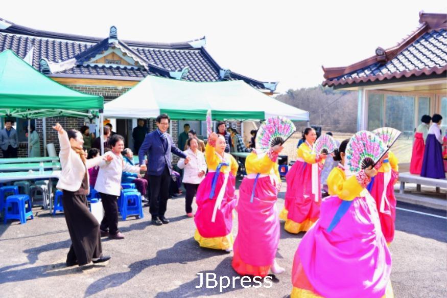 [경로복지자료사진]100세마을큰잔치(이영예어르신).JPG